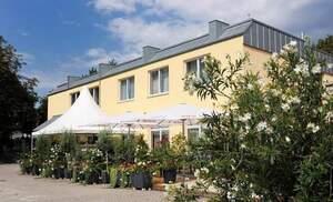 Hotel am Schlosspark mit Baufenster